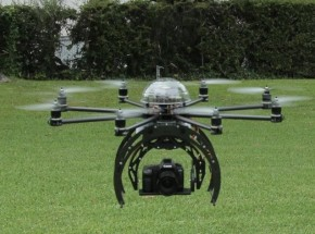 Un joven graba la ciudad francesa de Nancy con un dron