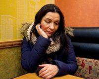 Juez suspende orden de expulsión de Ivonne Hernández