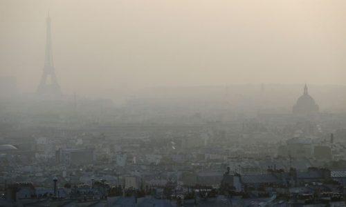 Transporte público gratuito en París por la contaminación