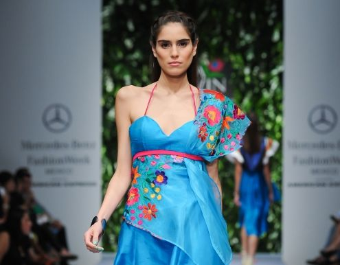 Mode inspirée par la culture mexicaine est présentée à Berlin