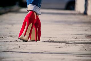 caminar-en-talones-paris